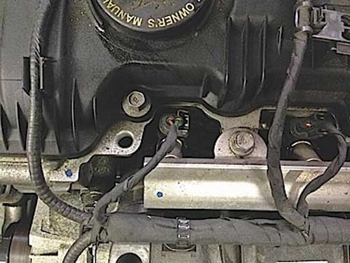 Photo 1: The Hyundai gasoline direct injector looks like port injection, but this injector does find its way into the cylinder.