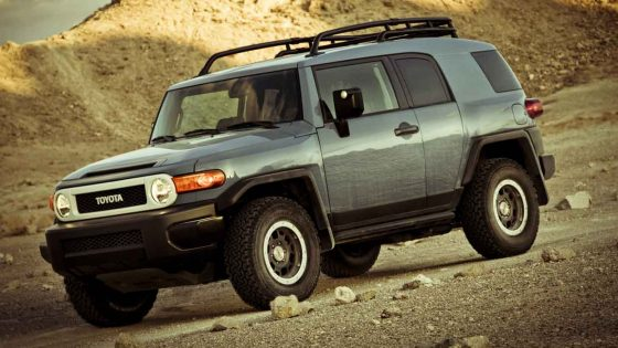 2014 Toyota FJ in the desert